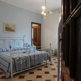 Семейный номер, смежные ванная комната и спальня - Номер