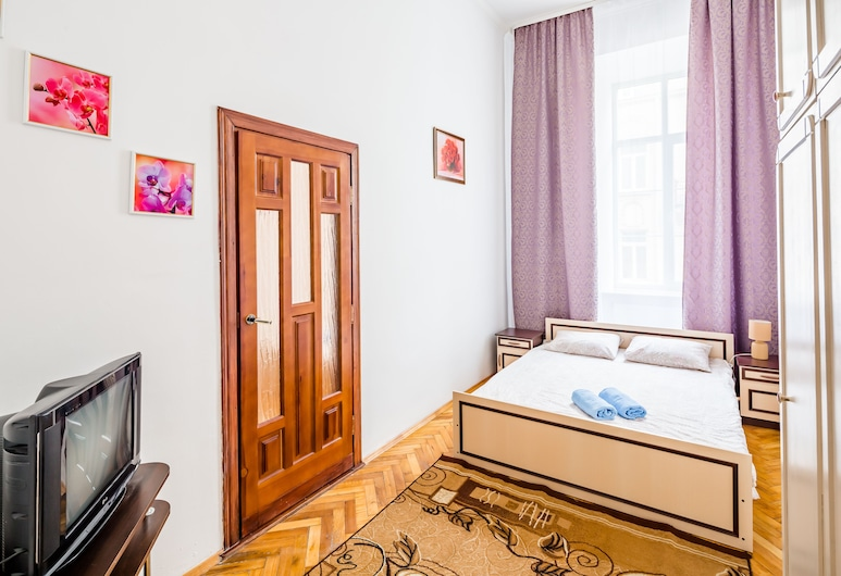 Apartament on Square Rynok near Vernissage, Lviv, Standardní apartmán, 2 ložnice, Pokoj