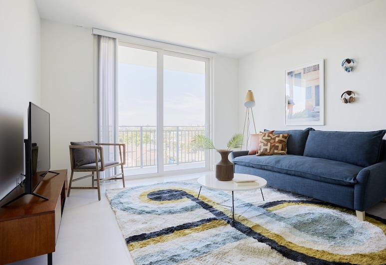 Sonder - Grove 27, Miami, Premier Suite, 2 Bedrooms, Balcony, Living Room
