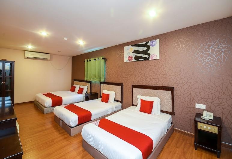 OYO 976 Dragon Inn, Miri, Familien-Suite, Mehrere Betten, Zimmer