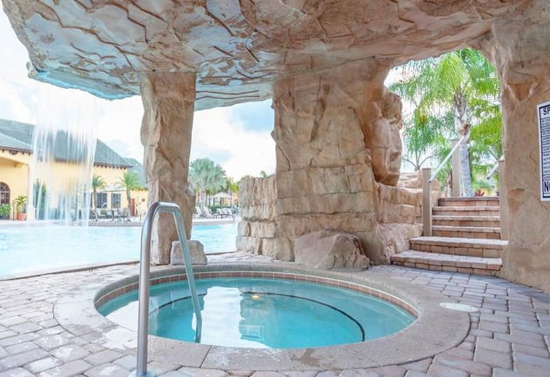 Paradise Palms 8989, Kissimmee, House, 6 Bedrooms, Outdoor Spa Tub