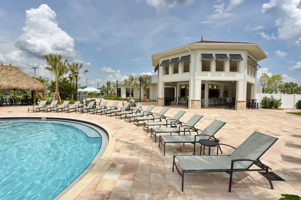 Dom, 5 spální - Vonkajší bazén