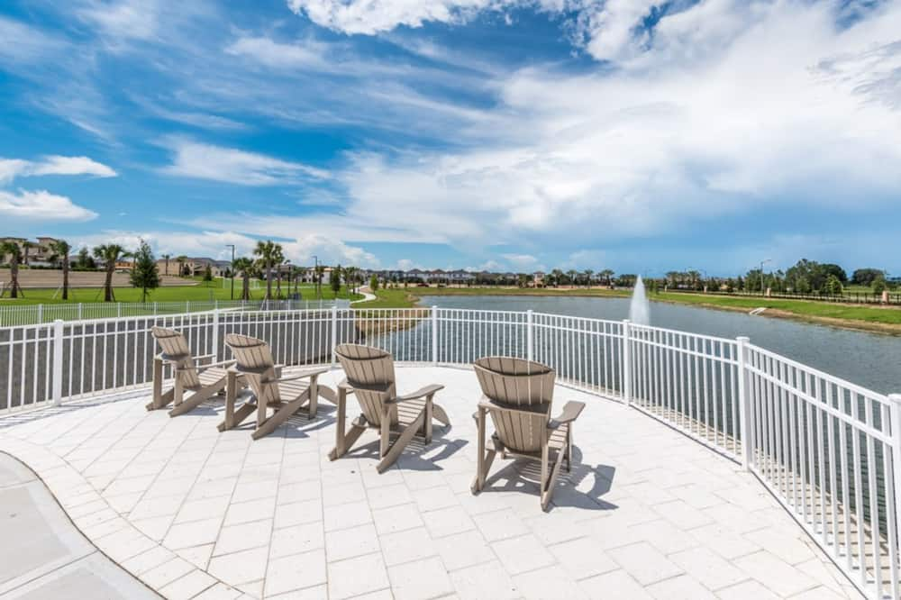 House, 4 Bedrooms - Sundeck