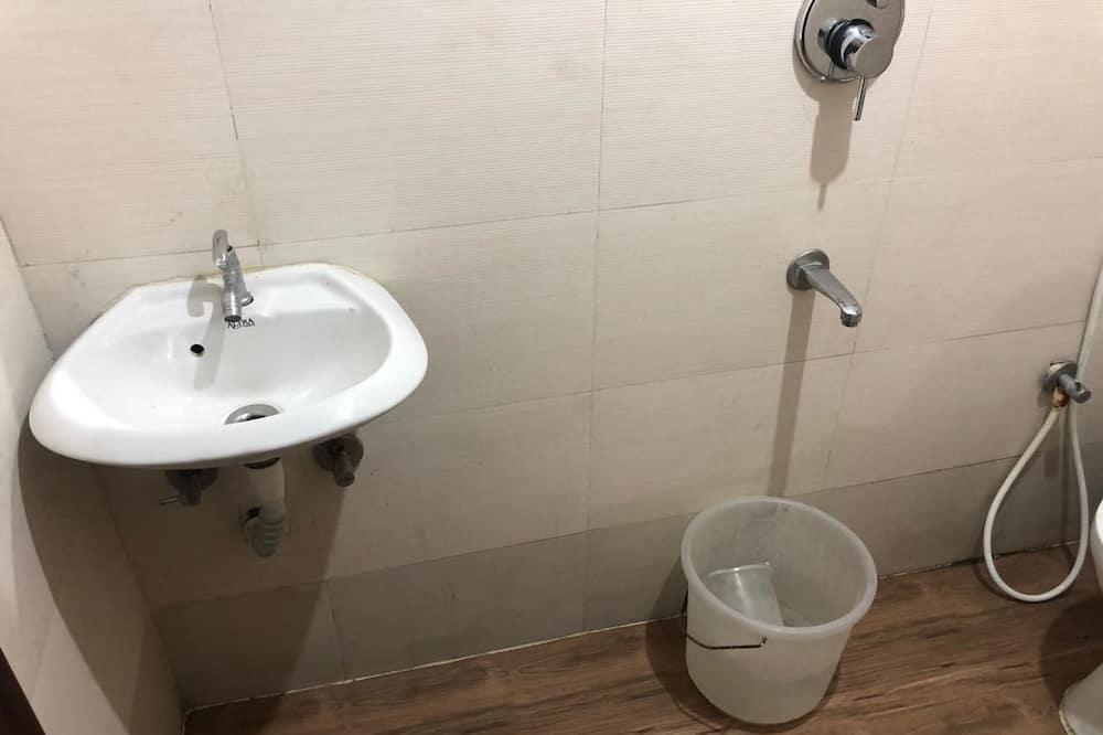 Phòng đôi Tiêu chuẩn, 1 giường cỡ queen - Phòng tắm