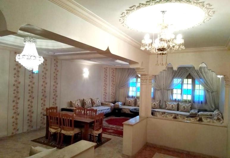卡薩布蘭卡一房精彩城景公寓飯店 - 附陽台及無線上網 - 離海灘 14 公里, 卡薩布蘭加, 客廳