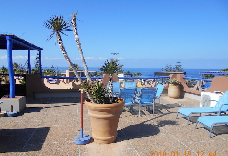 House With 4 Bedrooms in Mirleft, With Wonderful sea View, Shared Pool, Furnished Terrace - 100 m From the Beach, Арбаа-Сахель, Тераса/внутрішній дворик