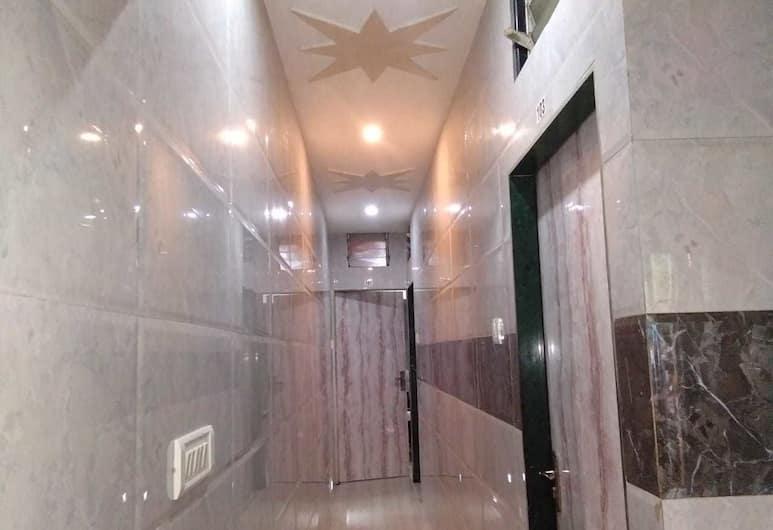 Shalimar Guest House, Bombay, Lobi