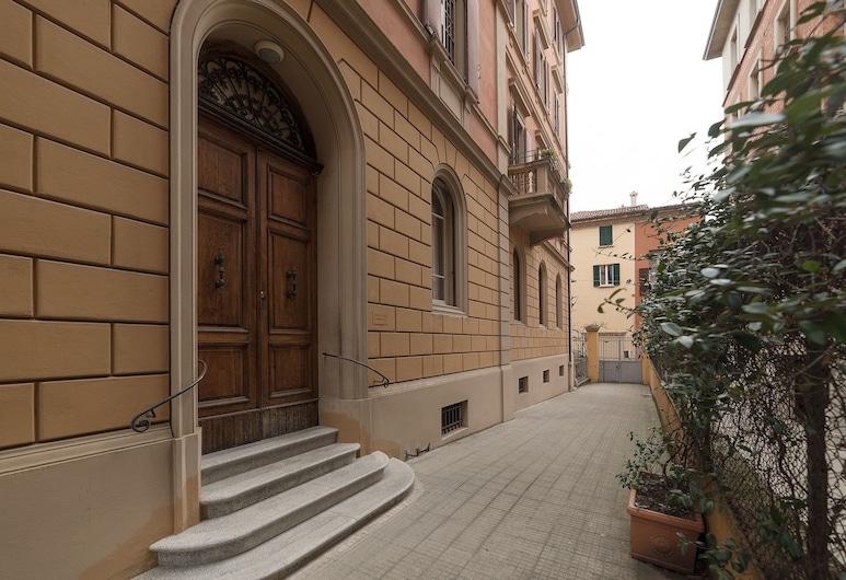 Tilia, Bologna, Hotel Entrance