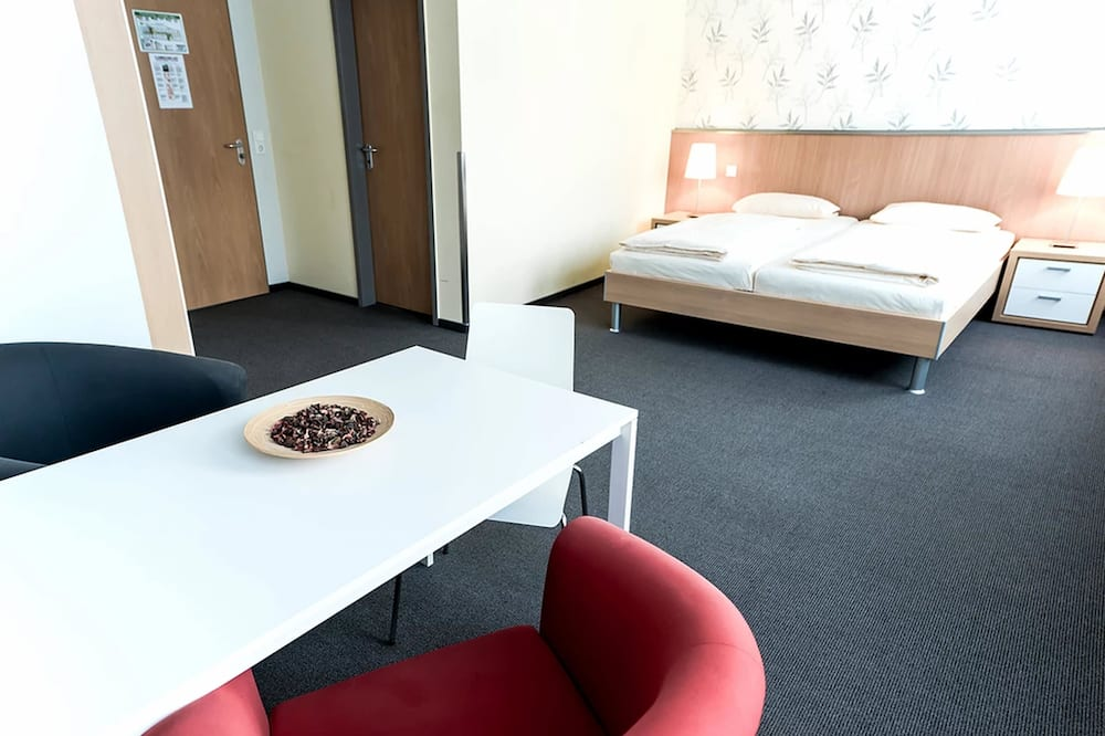 Basic Double Room - In-Room Dining