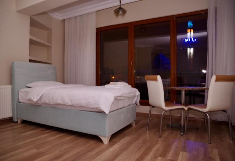 Doga Villa Guesthouse, Istanbul, Standard Twin Room, Shared Bathroom, Sea View, Room