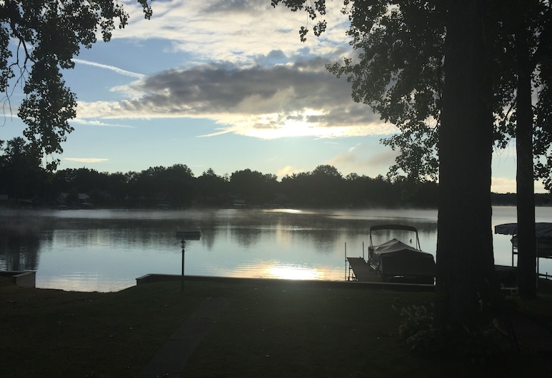 Lakefront Moro og Fullt Oppdatert Hjem, Linden