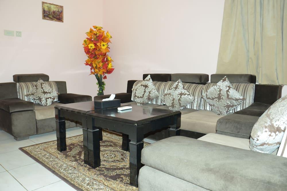 Basic Studio Suite, 1 King Bed - Living Area