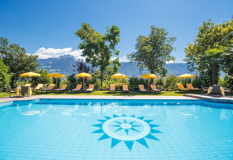Hotel Kristall, Marlengo, Piscina