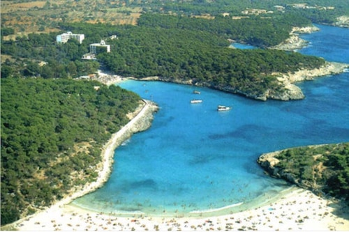 Portopetro(Santanyí)の港の景色を望む一行アパート/