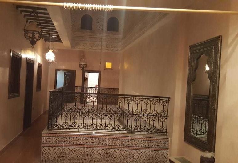 Riyad Lalla Aicha, Μεκνές, Εσωτερικοί χώροι