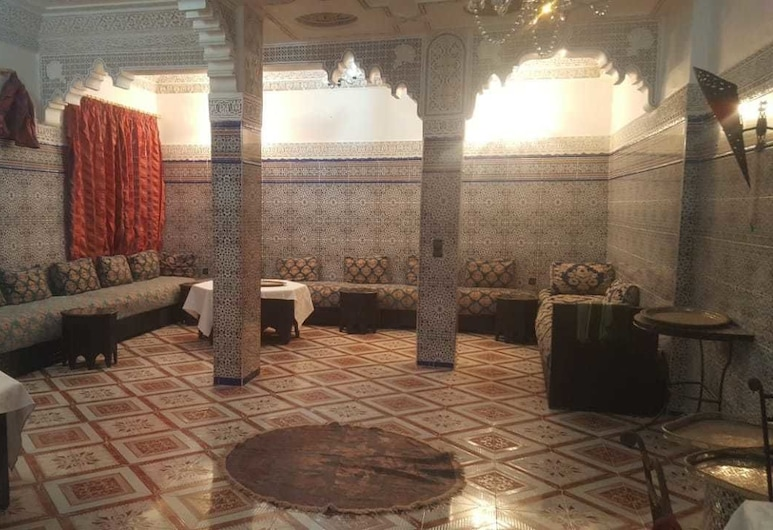 里亞德拉拉艾卡酒店, 梅克內斯, 傳統單棟房屋, 多張床, 客廳