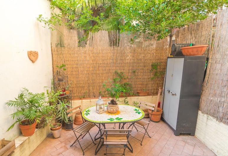 Pink21, Florence, Appartement Duplex Familial, 2 chambres, patio, vue jardin, Terrasse/Patio