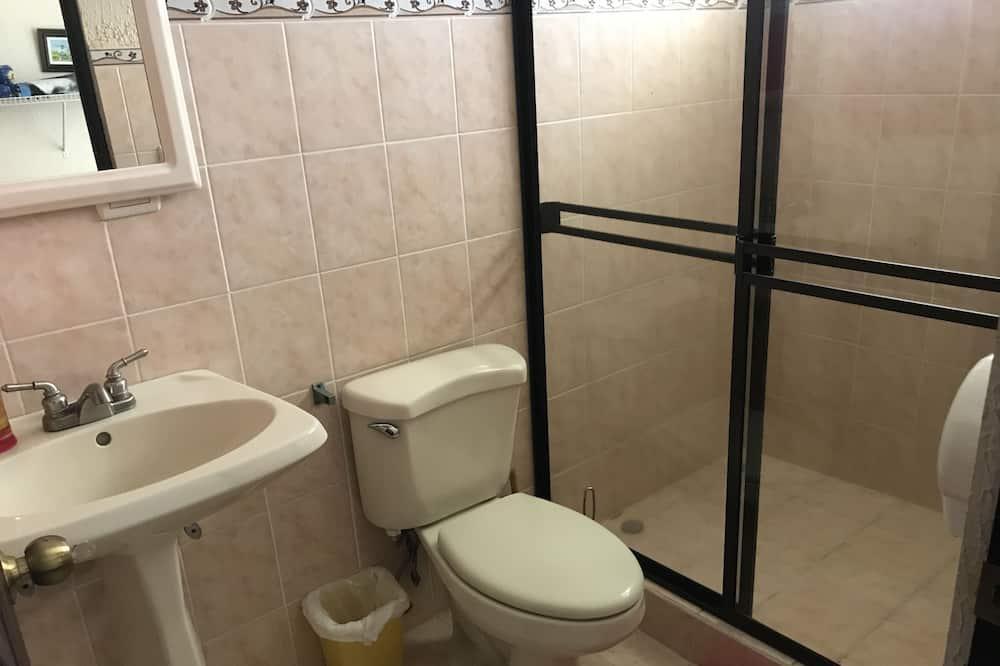 스탠다드 트윈룸, 침대(여러 개) - 욕실