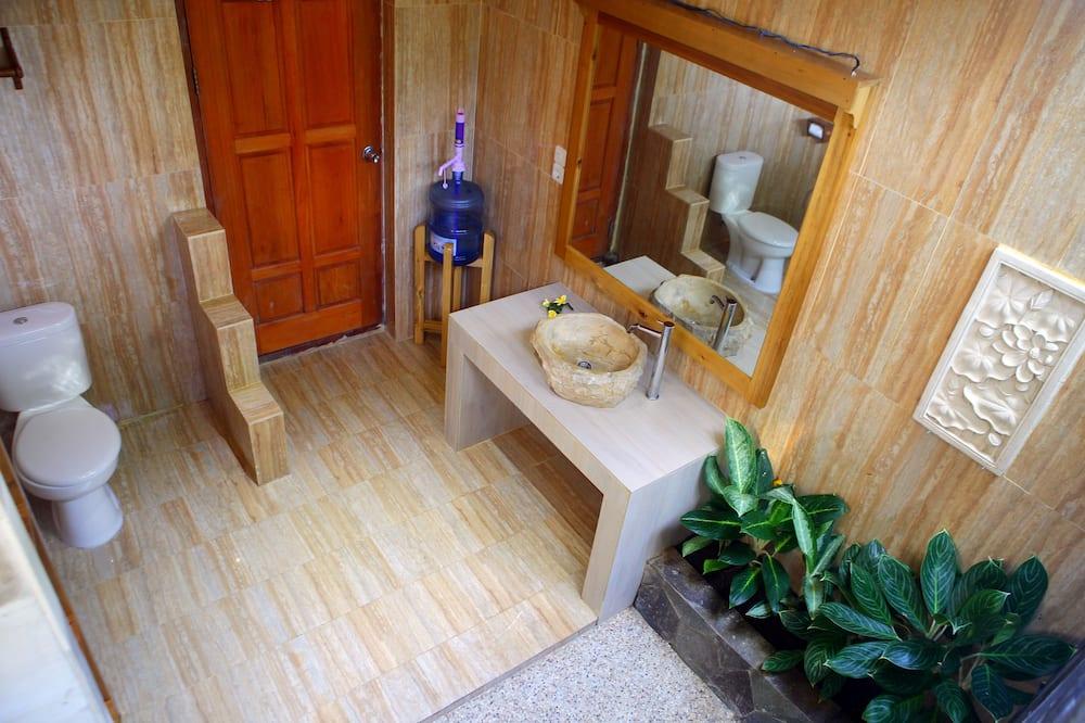 Superior Room (Aircond) - Bathroom