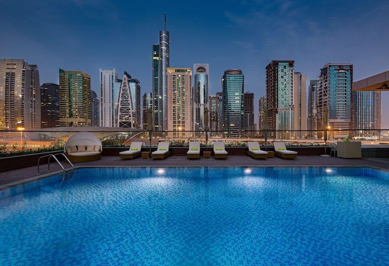 Millennium Place Marina, Dubai, Udendørs pool