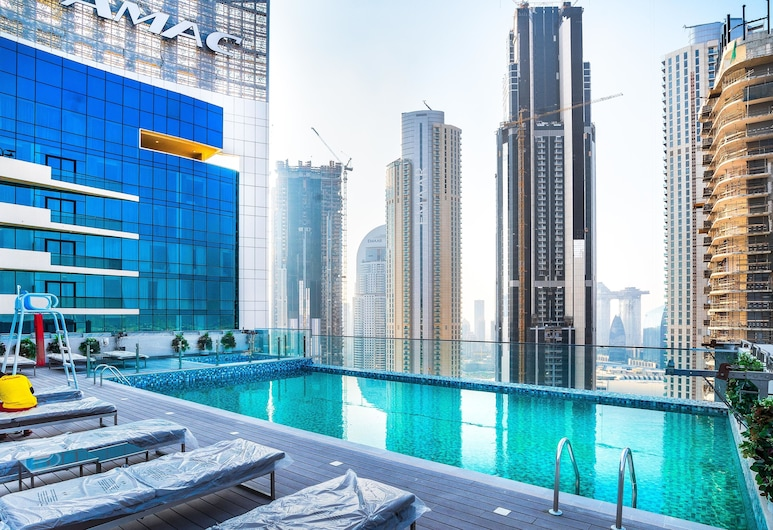 FAM Living - Mada Residences Downtown, Dubajus, Lauko baseinas