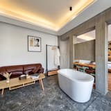 Deluxe Double Room - Deep Soaking Bathtub