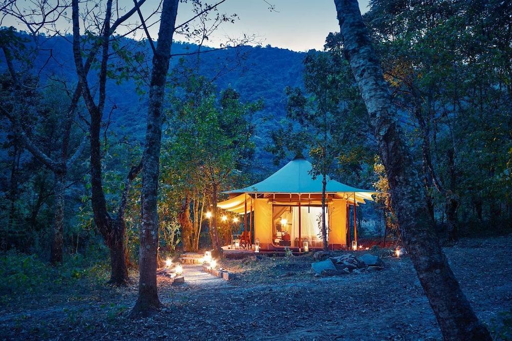 Suite de lujo (Tent) - Vista al jardín