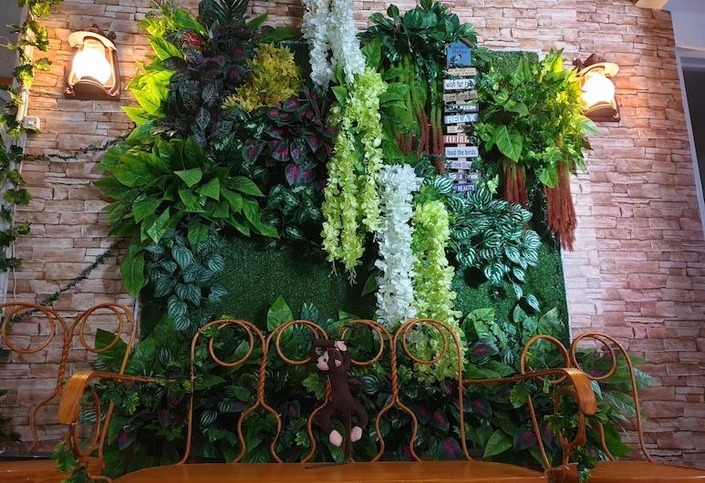 GardenPod Hostel + Café, Cebu