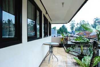 Picture of OYO 677 Rianes Family Guest House in Lembang