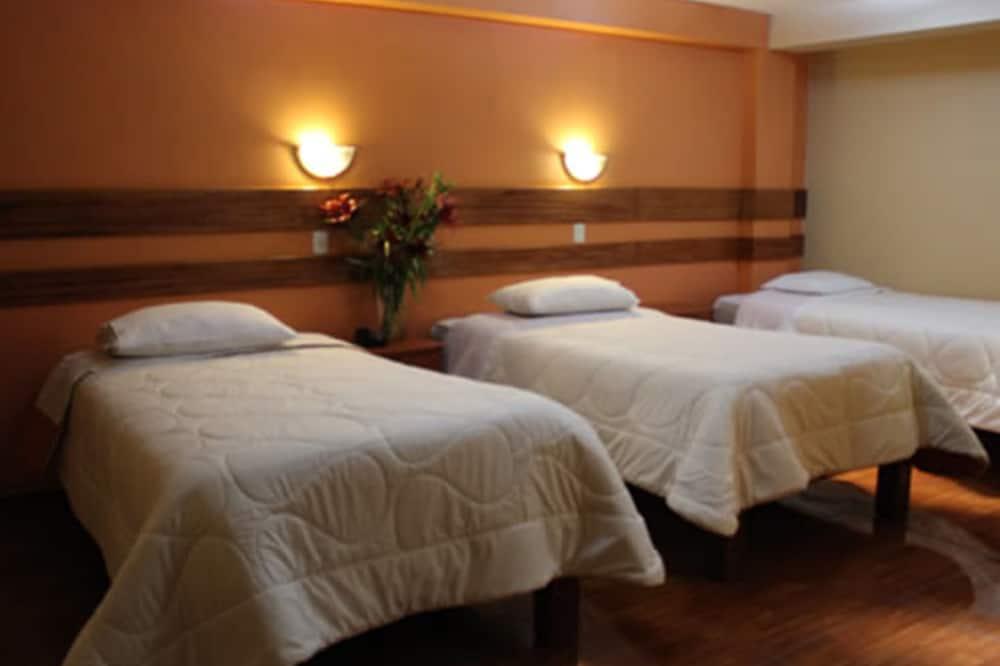 Cusi Hotel