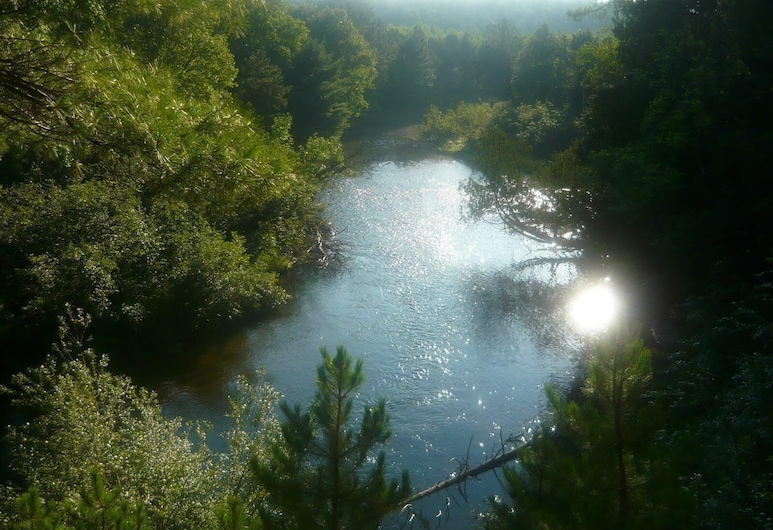 Open All Year Ausable River Access Newly Remodeled!, Roscommon, Kolam Renang
