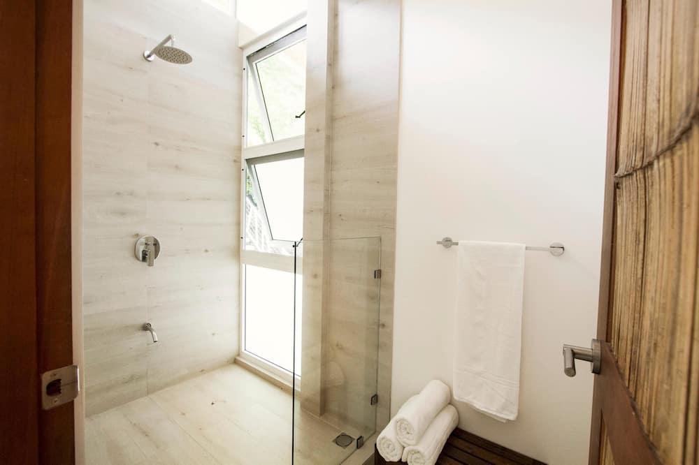 Luxury Apartment, 2 Bedrooms, Pool View (Arena- First Floor) - Bathroom