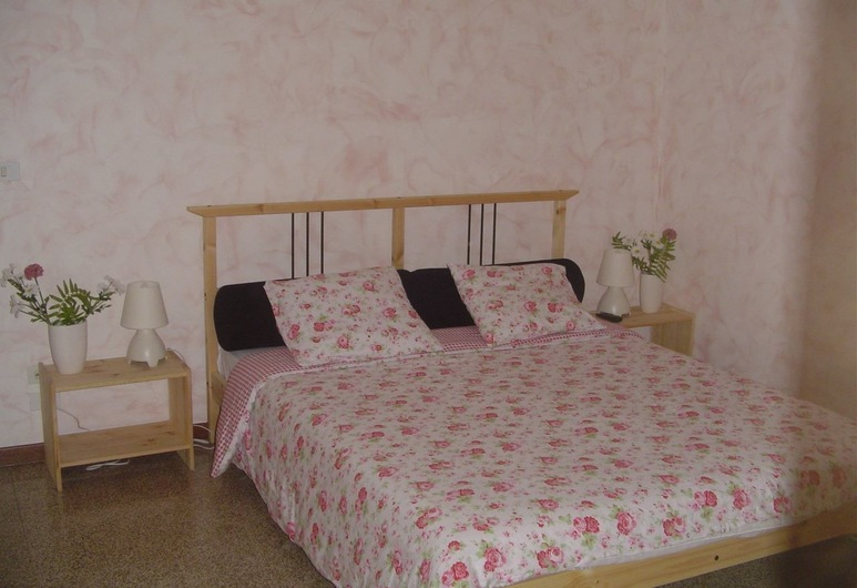 Barberini Stefano BB, Rome, Triple Room, Private Bathroom (External), Guest Room