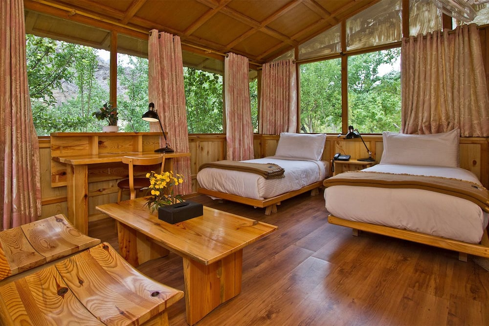 Standard Hut - Guest Room