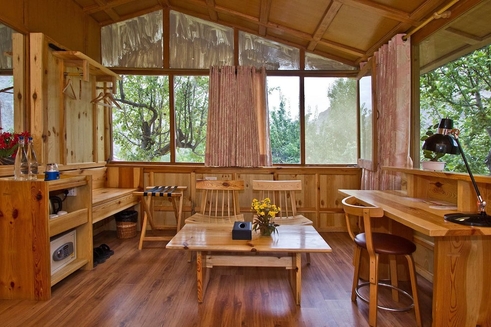Deluxe Cottage, 2 Double Beds - Living Room