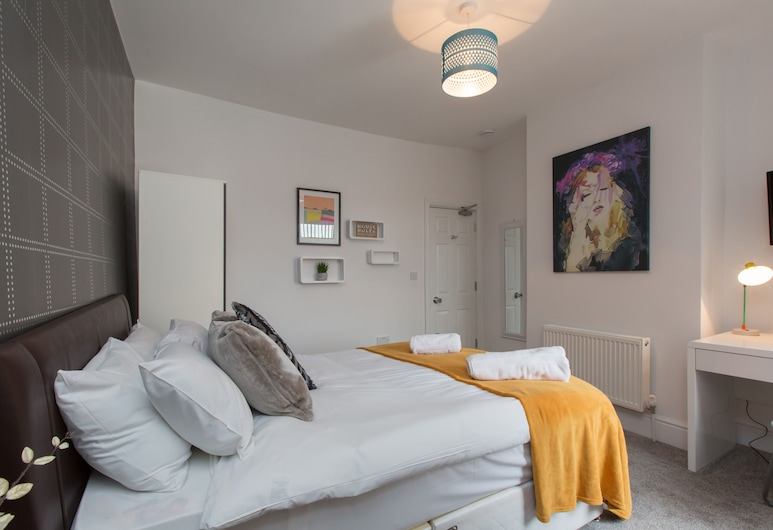 Townhouse @ 130 West Street Crewe, Crewe, Double Room, Ensuite, Guest Room