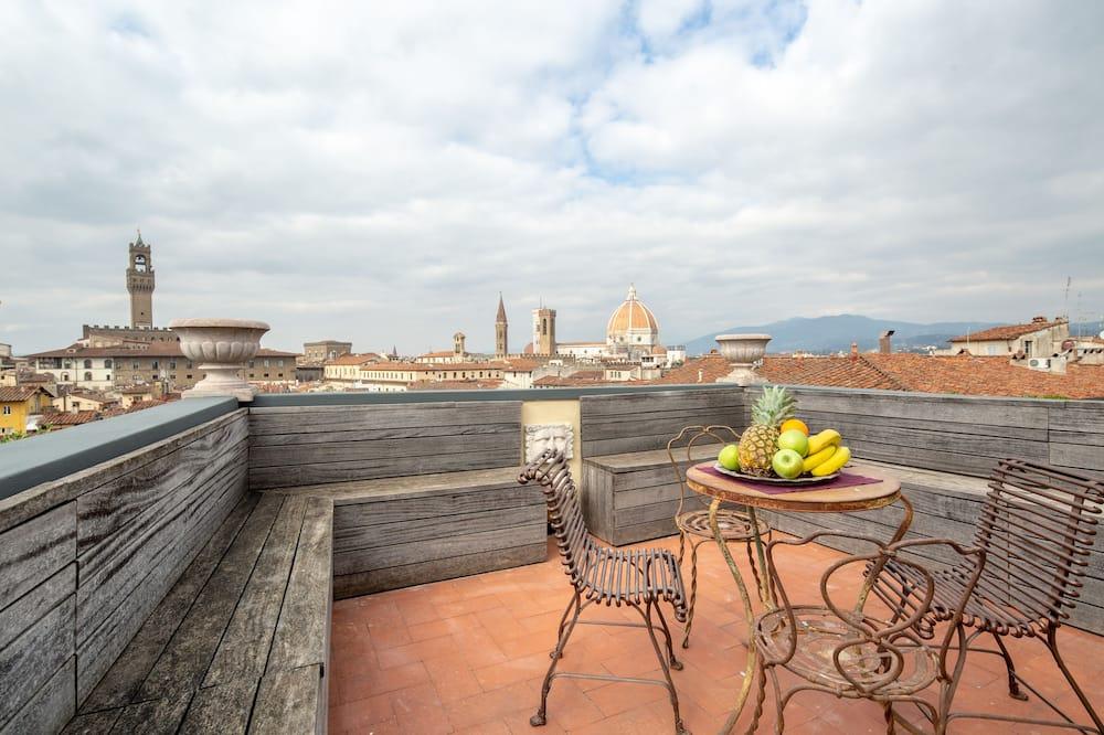 Luxury külaliskorter, 3 magamistoaga, vaade linnale - Terrass