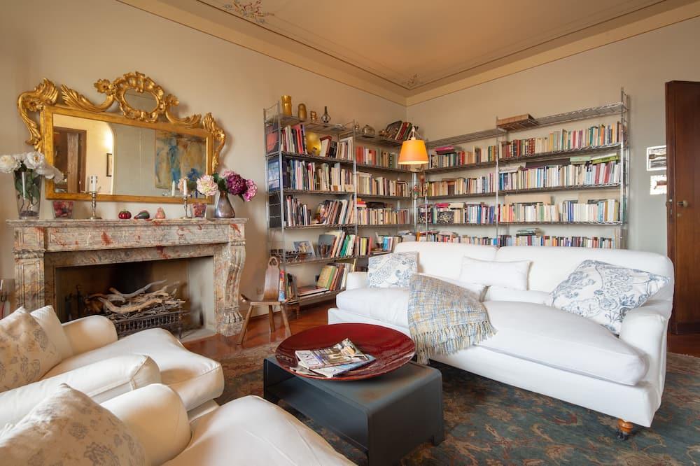 Luxury külaliskorter, 3 magamistoaga, vaade linnale - Elutuba
