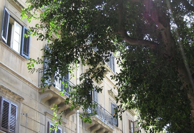 Casa Nonna Toto, Palermo, Facciata della struttura
