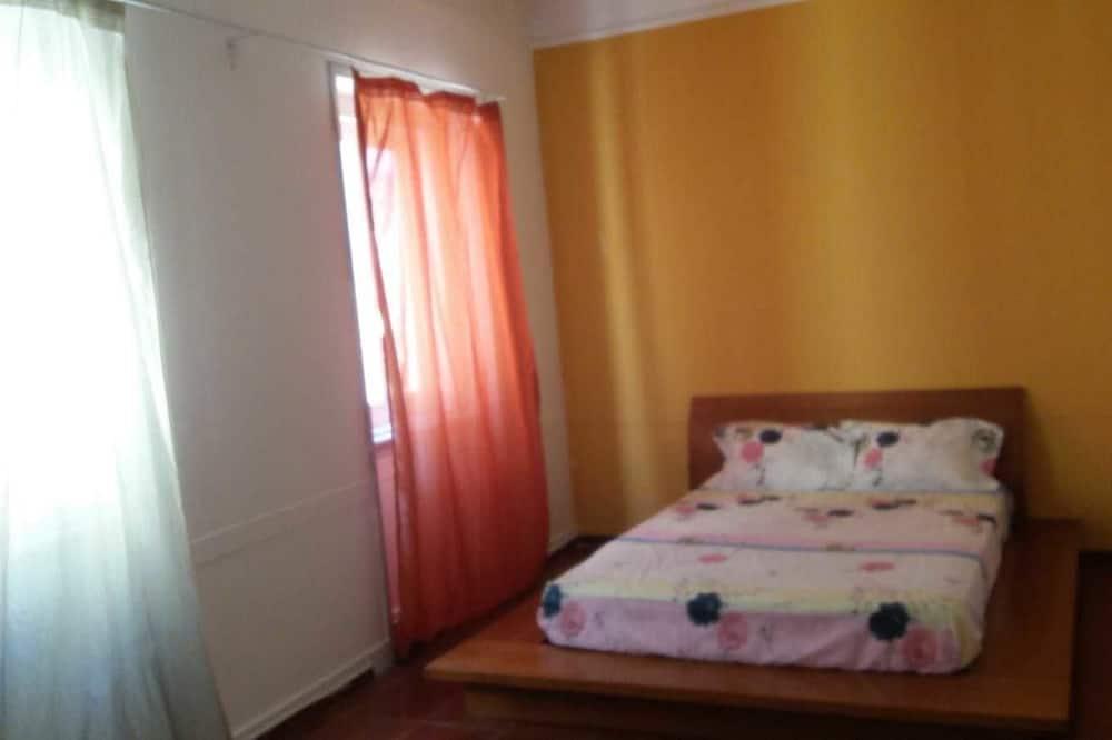 Pokój dwuosobowy, wspólna łazienka (3) - Zdjęcie opisywane