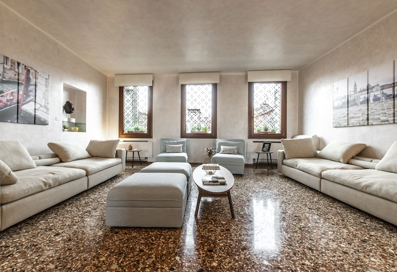 Bacino San Marco Exclusive View R&R, Venice, Luxury Apartment, 3 Bedrooms, Living Area