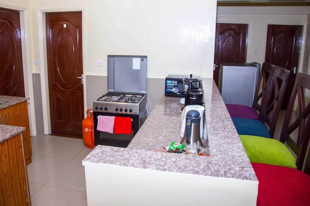 Double Room, Shared Bathroom (3) - Shared kitchen