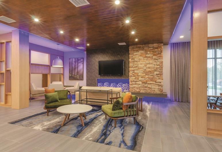 Fairfield Inn & Suites by Marriott Kansas City Shawnee, شوني