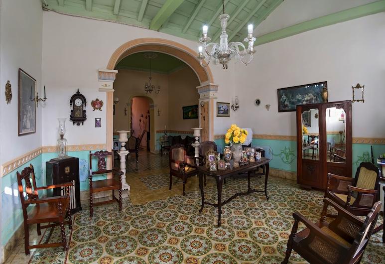 Home Anais y Cayuco, Trinidad
