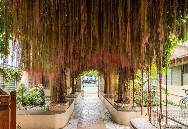 ZEN Rooms Basic Iloilo Paraw Resort, Iloilo, Terrace/Patio