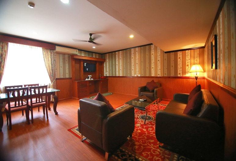 Madathil Regency Hotel, Quilon, Presidential Suite, Living Area