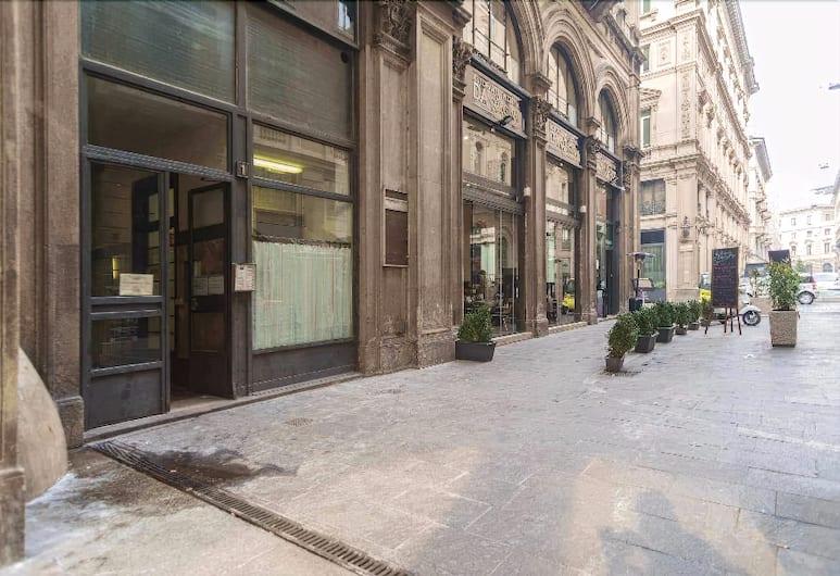 Hemeras Boutique Aparthotel Piazza Duomo, Милан, Вход в объект размещения