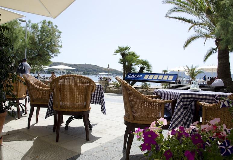 Hotel Capri, Pollensa, Utendørsservering