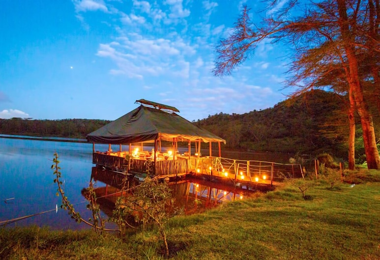 Crater Lake Tented Camp & Game Sanctuary, Naivasha, Γεύματα σε εξωτερικό χώρο