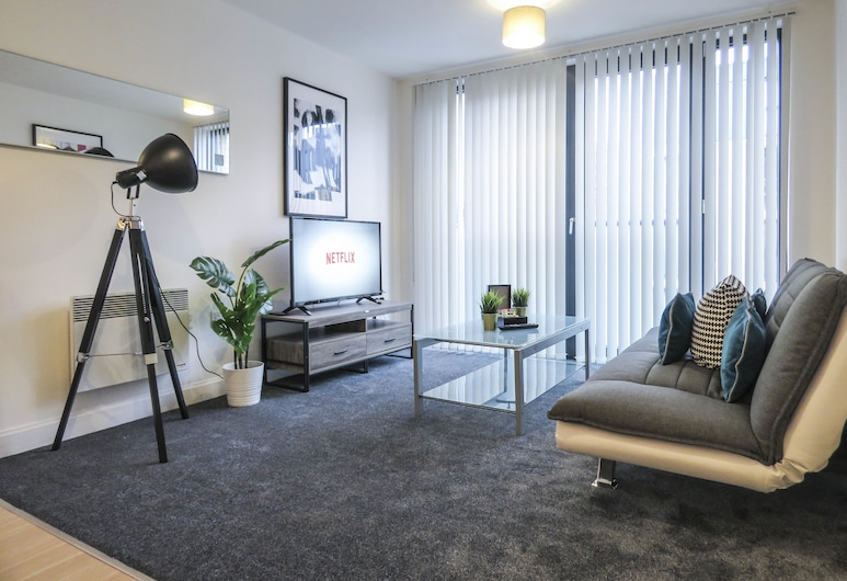 Tudors eSuites Birmingham Apartments with Gated Parking, Birmingham, Business Apartment, 1 Double Bed, Living Area